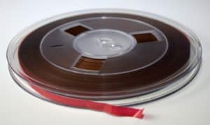 Polskie nagrania to (według Pulsu Biznesu) zbiór ponad 40 000 nagrań