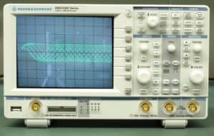 Osycloskop - ogniskowanie wiązki lasera